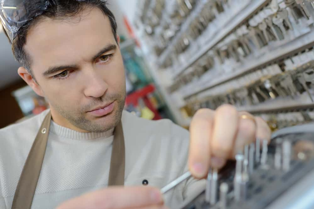 locksmith making a new key