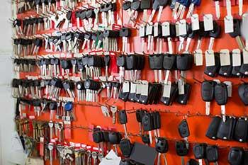 Transponder-Keys-on-Wall